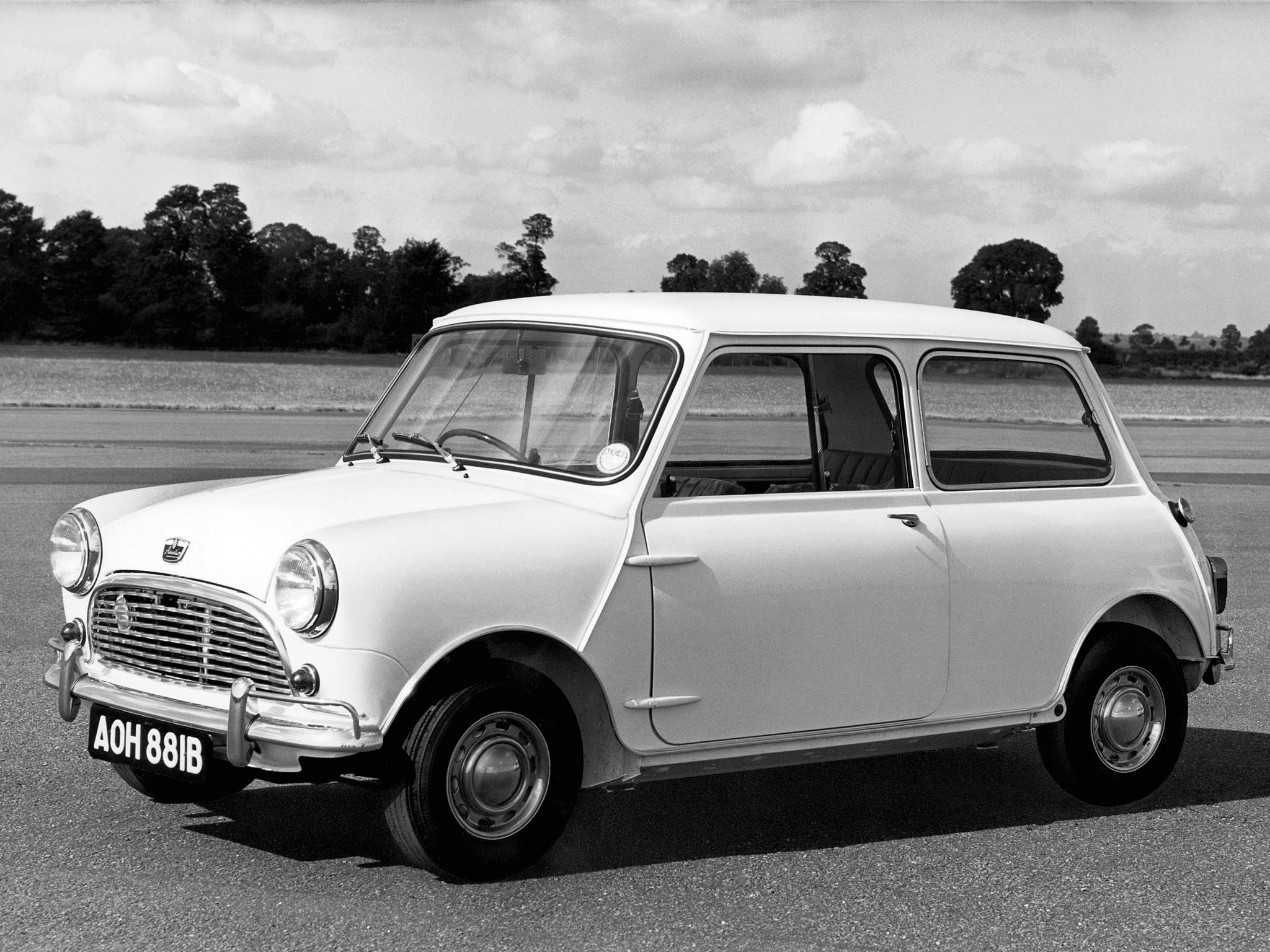 Modelo 2016 carrega quase 60 anos da história do Mini, passando por seu nascimento na Inglaterra como um city car, até se tornar um ícone cultural.