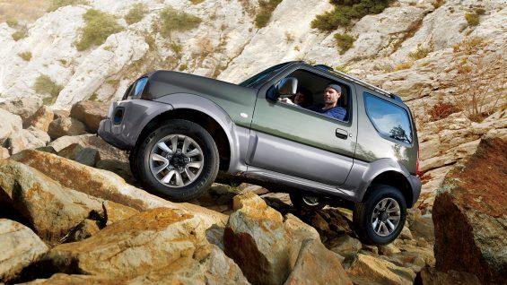 Para os aventureiros de plantão, que desejam um veículo off-road, não há opção mais acessível que o Suzuki Jimny