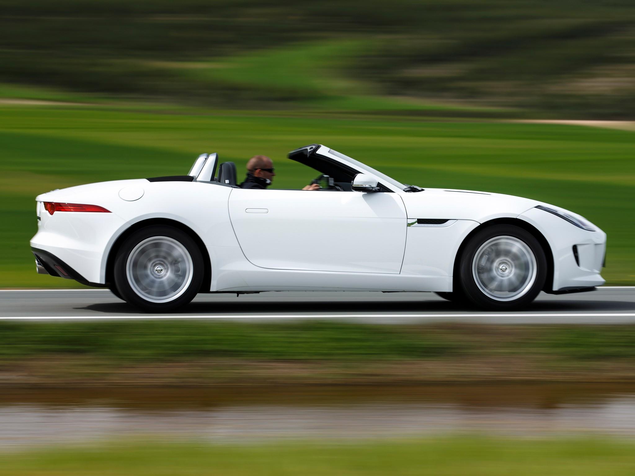 O F Type é O Responsável Por Carregar A Bandeira De Esportivo Sênior Da  Jaguar. Lançado Em 2013, A Ideia Da Britânica Foi Dar Um Sucessor Para A  Icônica ...