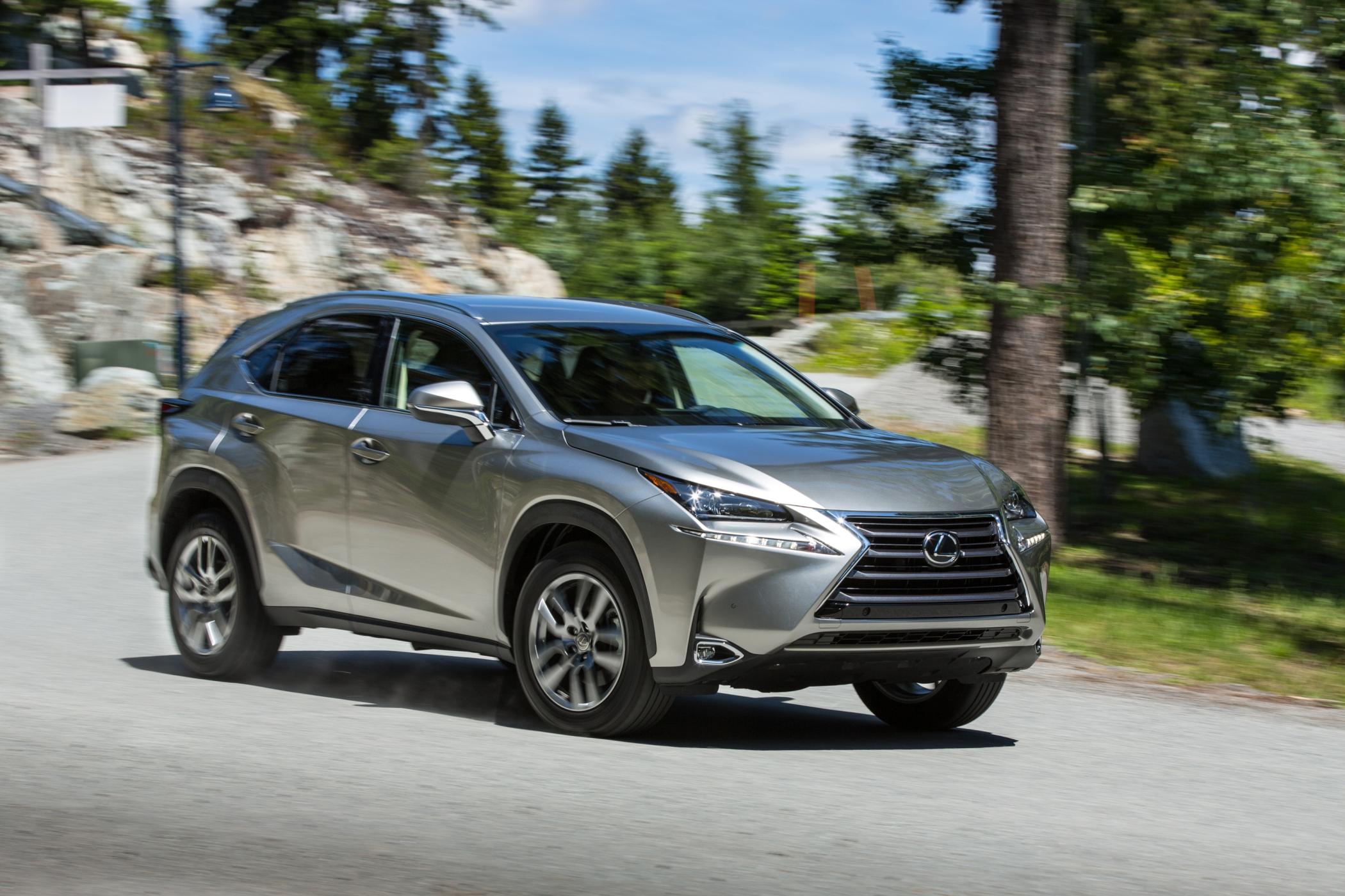 Toyota convoca quatro modelos para recall em razão de falhas no funcionamento dos sensores de airbags. Hilux, Sw4, Prius e NX 200t são alvo da ação.
