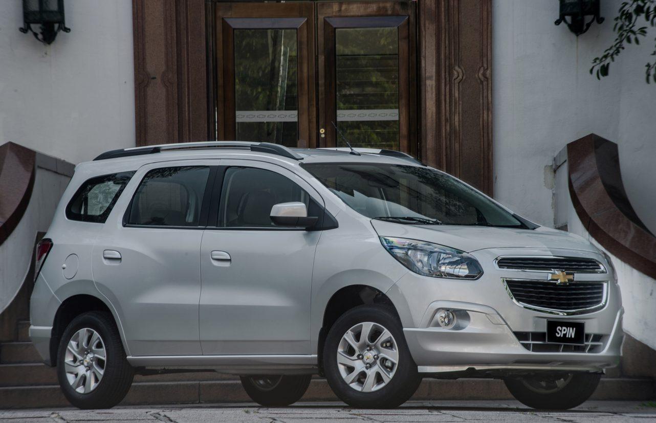 Relembre os 10 carros mais feios do mercado brasileiro: Chevrolet Spin