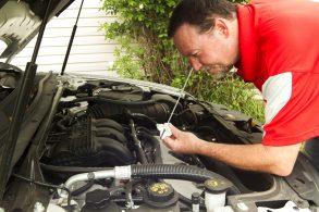 Garagem é o melhor lugar para checar o nível do óleo