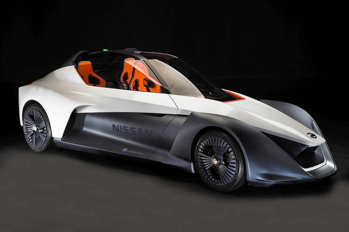 Nissan BladeGlider 03 medium