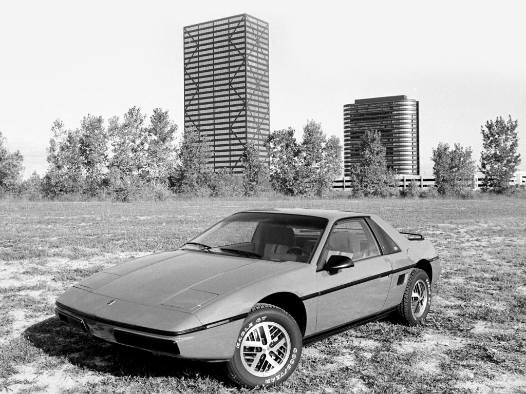 Carros estranhos Stranger Things Pontiac Fiero
