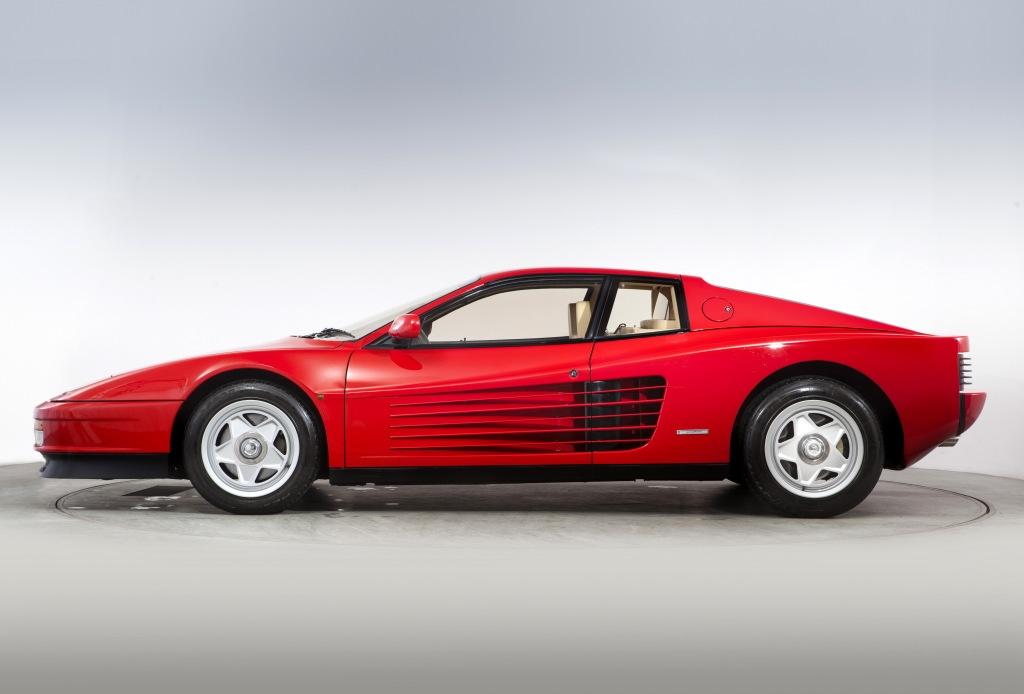 Carros estranhos Stranger Things Ferrari Testarossa