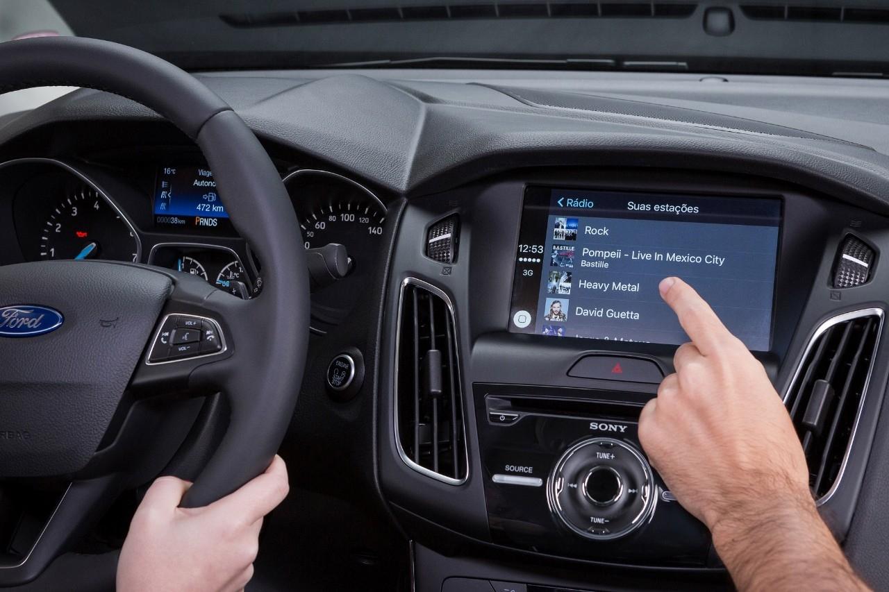 Ford Focus 2017 tem Sync com tela maior