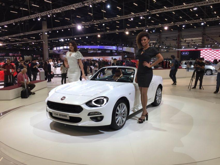 Fiat 124 Spider: Esportivos com apelo histórico, híbridos, elétricos e até conceitos estão entre os carros esportivos no Salão de São Paulo de 2016.