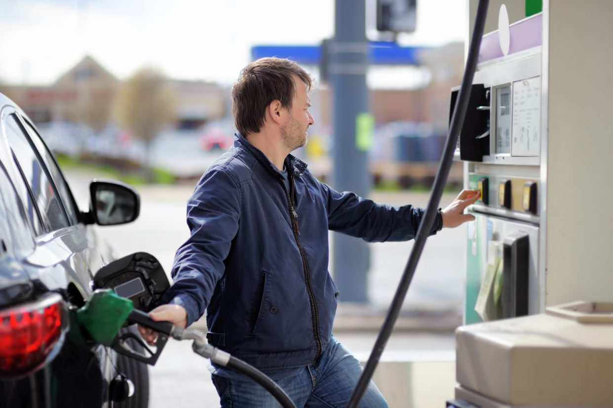 alternar o combustível