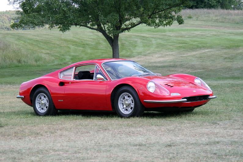 206 GT carrega o apelido do filho de Enzo Ferrari em seu nome: Dino (Reprodução)