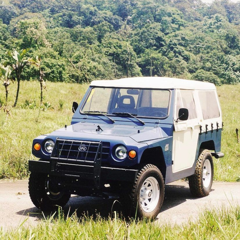 jpx jipe jeep azul de frente eike batista