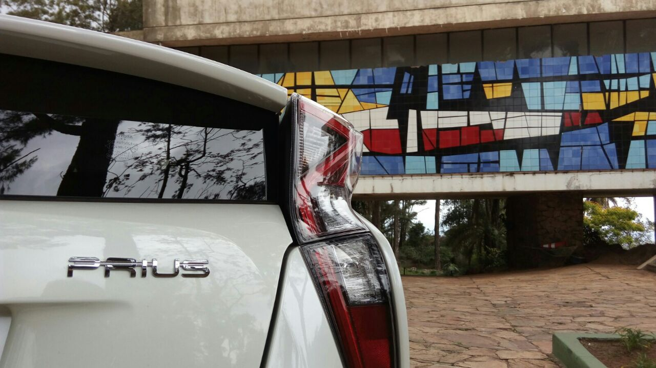 Um milhão de híbridos da Toyota apresentam falha capaz de causar incêndio. Os modelos foram produzidos entre junho de 2015 e maio de 2018.