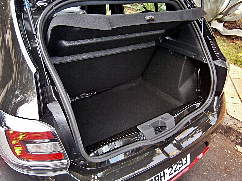 Renault Sandero R.S Racing Spirit porta-malas