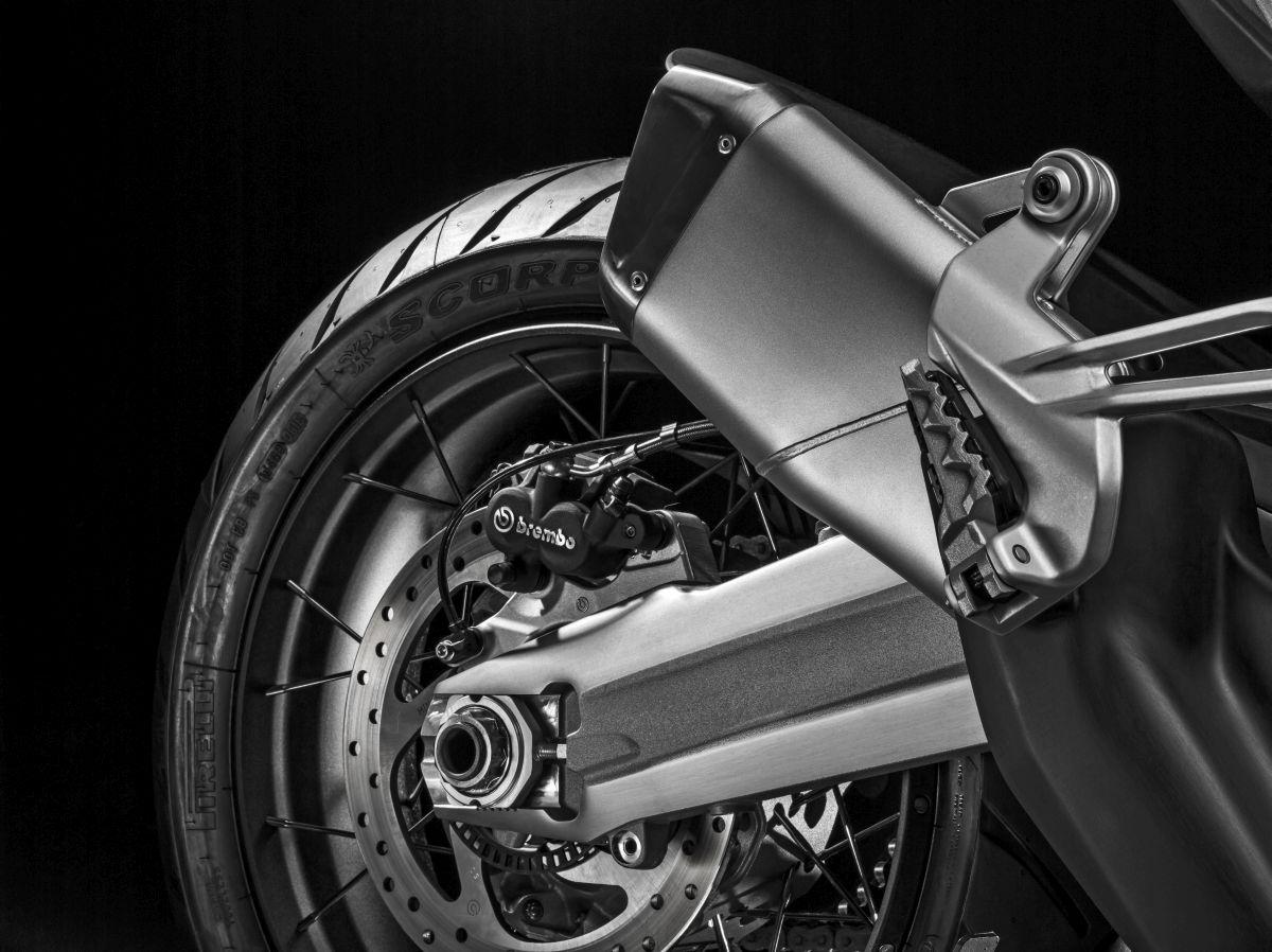 Teo Mascarenhas avalia a Ducati Multistrada 1200 Enduro. Confira desempenho, tecnlogia e eletrônica da moto que tem preço de R$ 89.900.