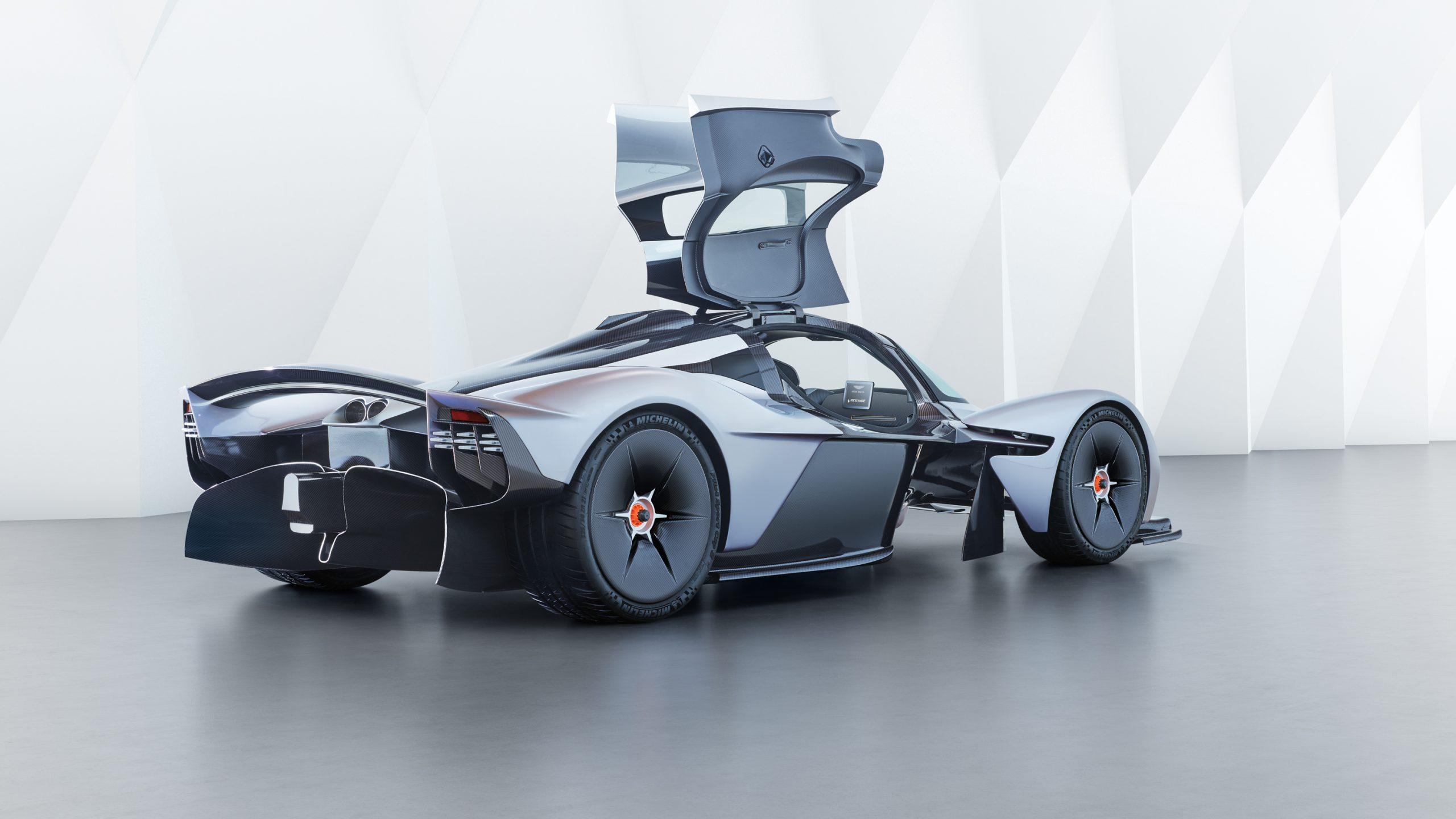 Aston Martin Valkyrie 05