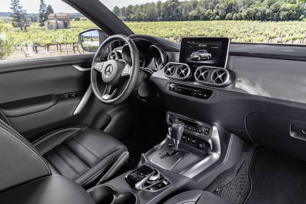 Mercedes Classe X, a primeira picape global da marca alemã, começou a ser vendida no continente europeu