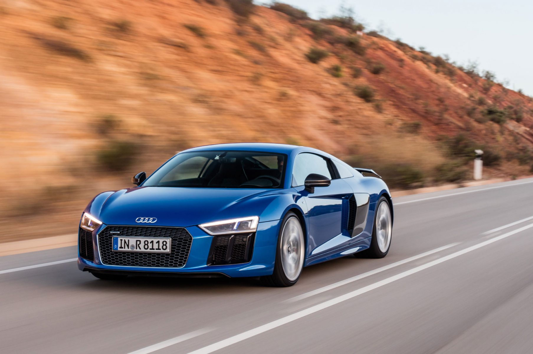 2017 Audi R8 V10 Plus front three quarter in motion 02