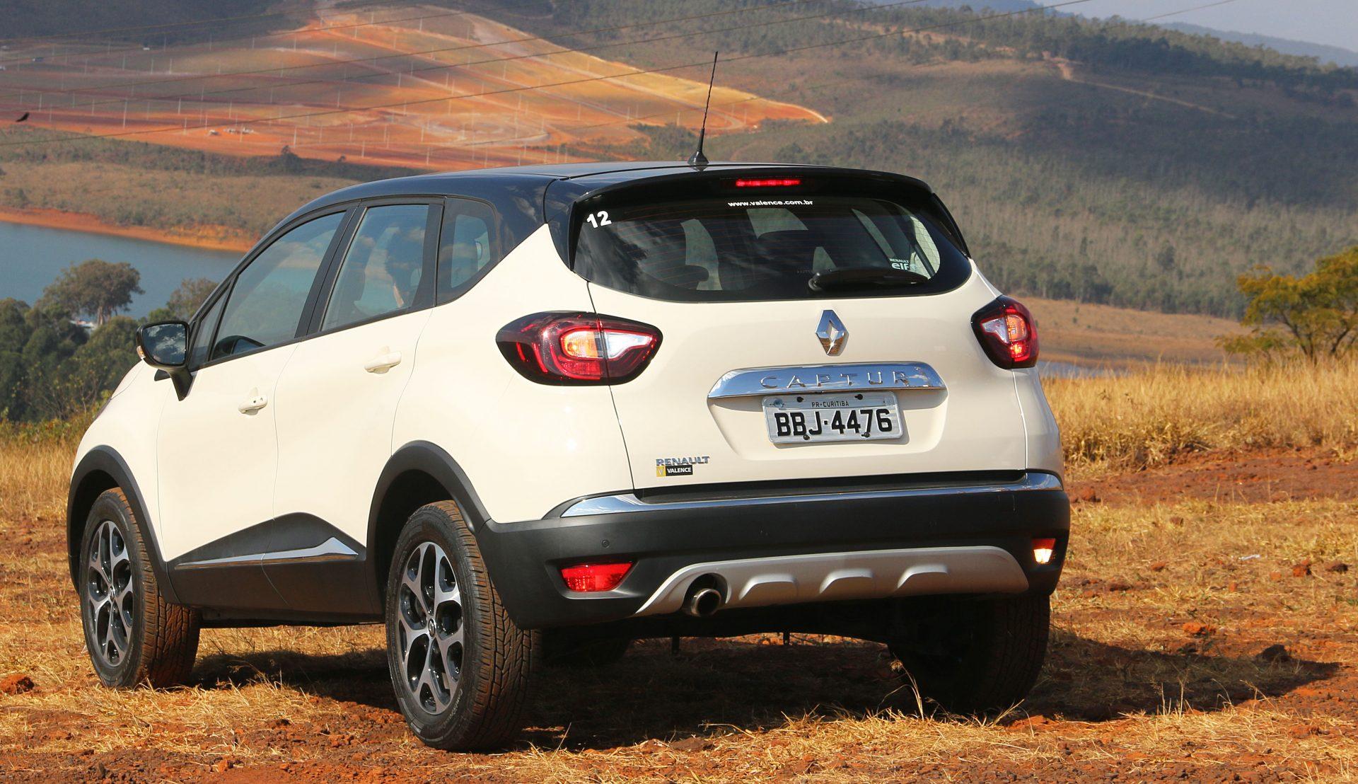 Testamos o Renault Captur CVT. Preço do SUV 1.6 é R$ 89.590. Conjunto mecânico agrada no trânsito urbano, mas peca na estrada.