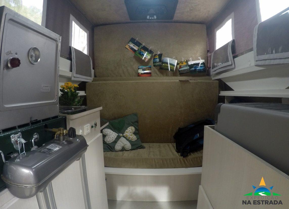 Interior da 3100 adaptada (Expedição na Estrada/Divulgação)