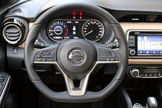 Avaliamos o Nissan Kicks 2018. Confira preços, motorização, versões e equipamentos de série do SUV que agora é produzido no Brasil.