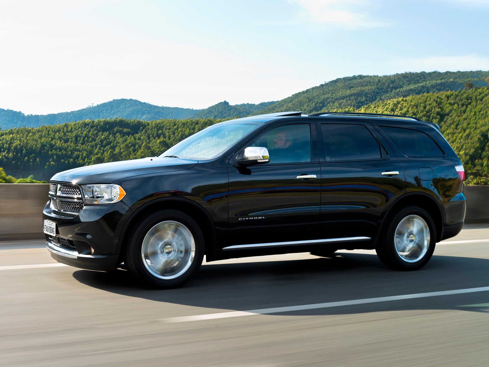 Fiat Chryler (FCA) convoca, nesta sexta-feira (16), recall dos modelos Jeep Grand Cherokee, Chrysler 300C, Dodge Charger e Dodge Durango. Risco de incêndio é possível consequência de problema no alternador.