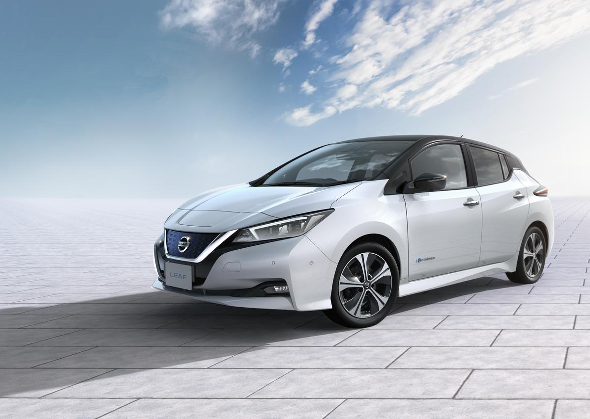 Nissan confirma vinda do elétrico Leaf para o Brasil e outros sete países da América Latina. O Nissan Leaf tem 150 cavalos e autonomia de 400 quilômetros. Preço ainda não foi divulgado.