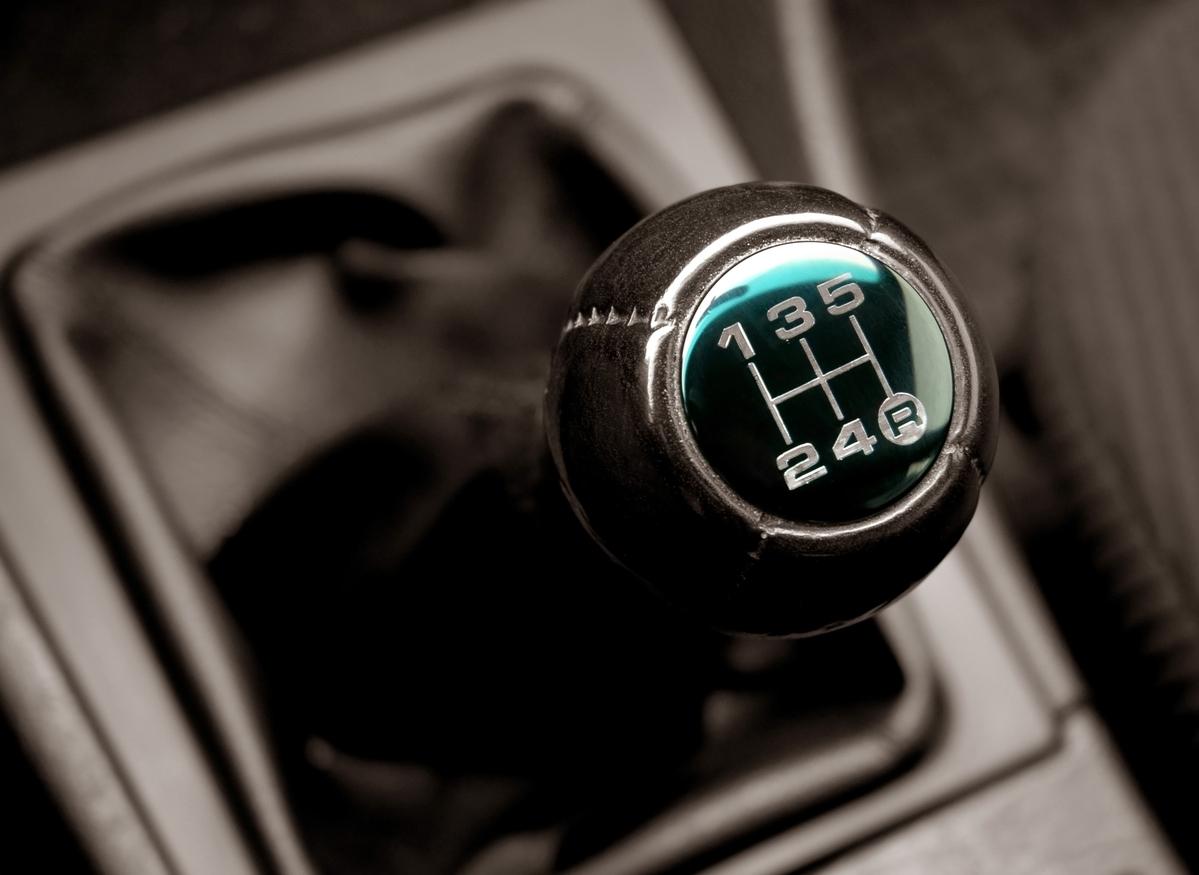 Dirigir com a banguela: Veja oito dicas simples para dirigir com segurança para todos os ocupantes, desde a importância do uso do cinto até o filtro de cabine!