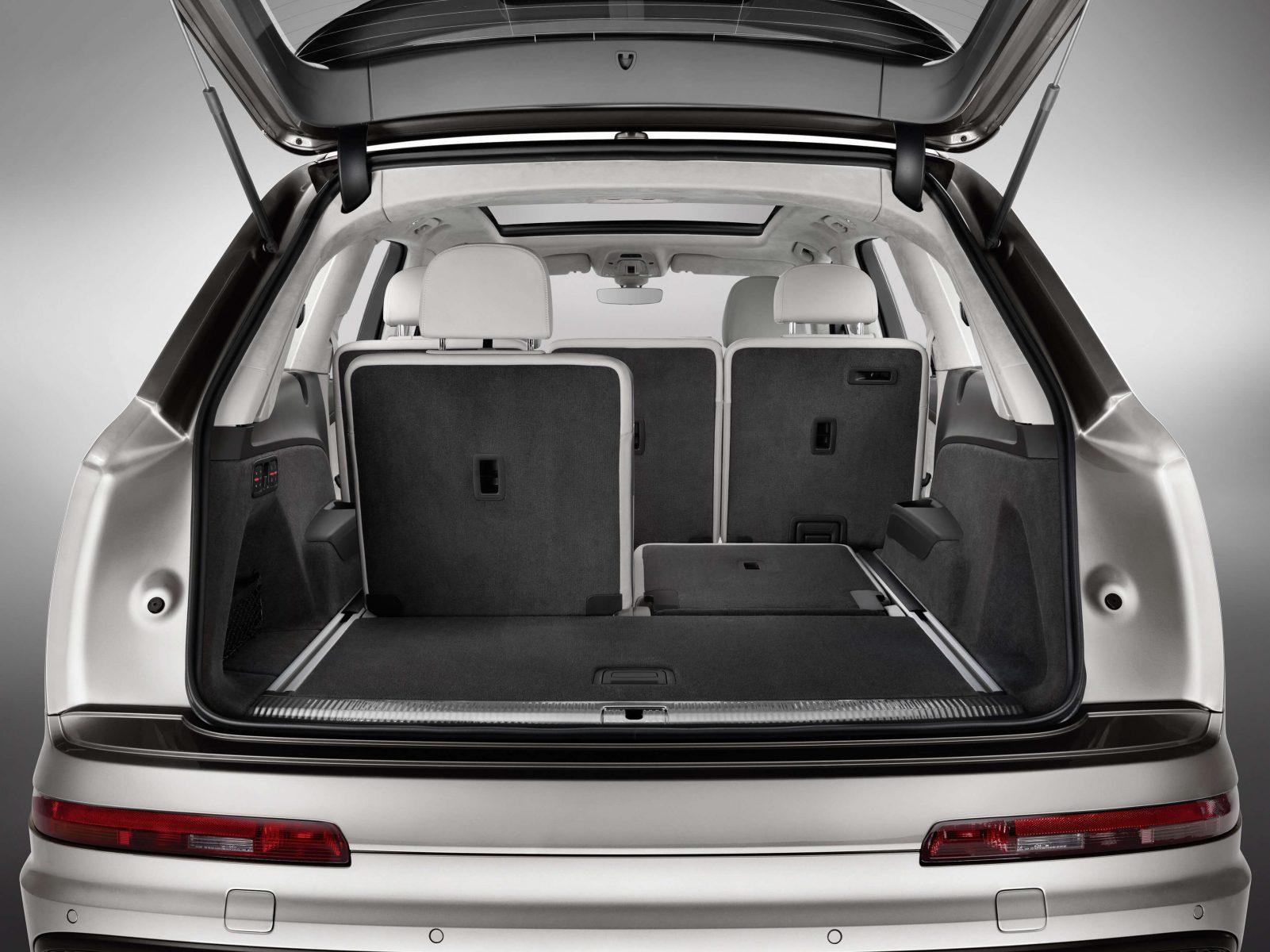 Audi Q7: Carros de 7 lugares à venda no Brasil: listamos todas as opções do nosso mercado, com preços, fichas técnicas e breve análise de cada um dos modelos.