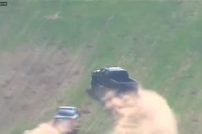 """[VÍDEO] Perseguição policial ao vivo mostra F350 """"dando chapéu"""" na polícia"""