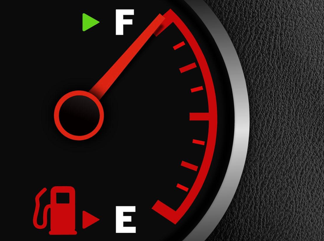 consumo de combustível: tanque cheio medidor vazio