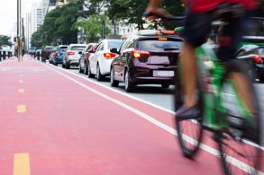 Ciclistas e pedestres poderão ser multados