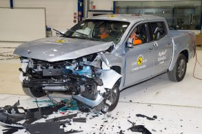 [Vídeo] Jaguar E-Pace e Mercedes Classe X obtêm nota máxima em crash tests