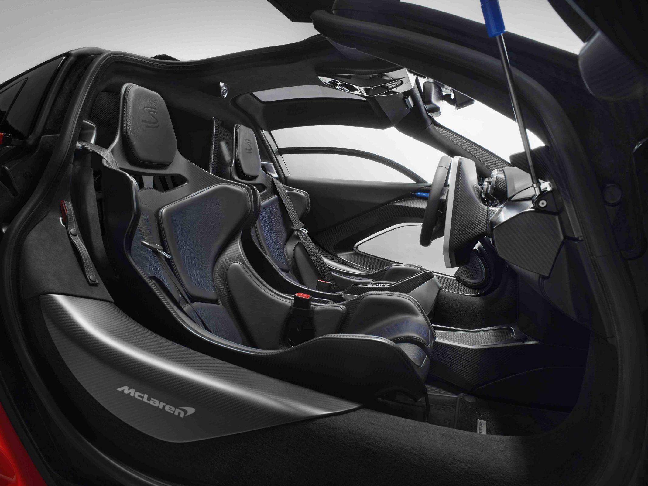 McLaren Senna abusa da fibra de carbono e materiais leves em sua construção