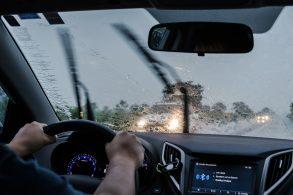 Dirigir na chuva: 3 dicas básicas para enfrentar a situação