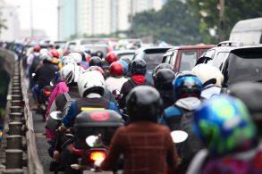 Lei quer regularizar corredores de motos