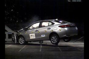Toyota Yaris sedã garante cinco estrelas em crash test