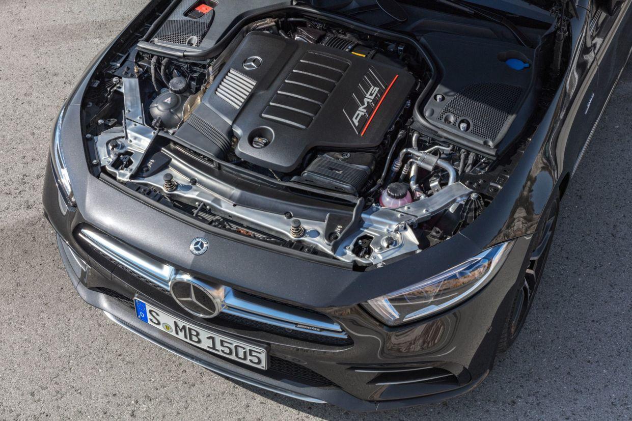 Mercedes AMG: motor de seis cilindros em linha e 'híbrido'