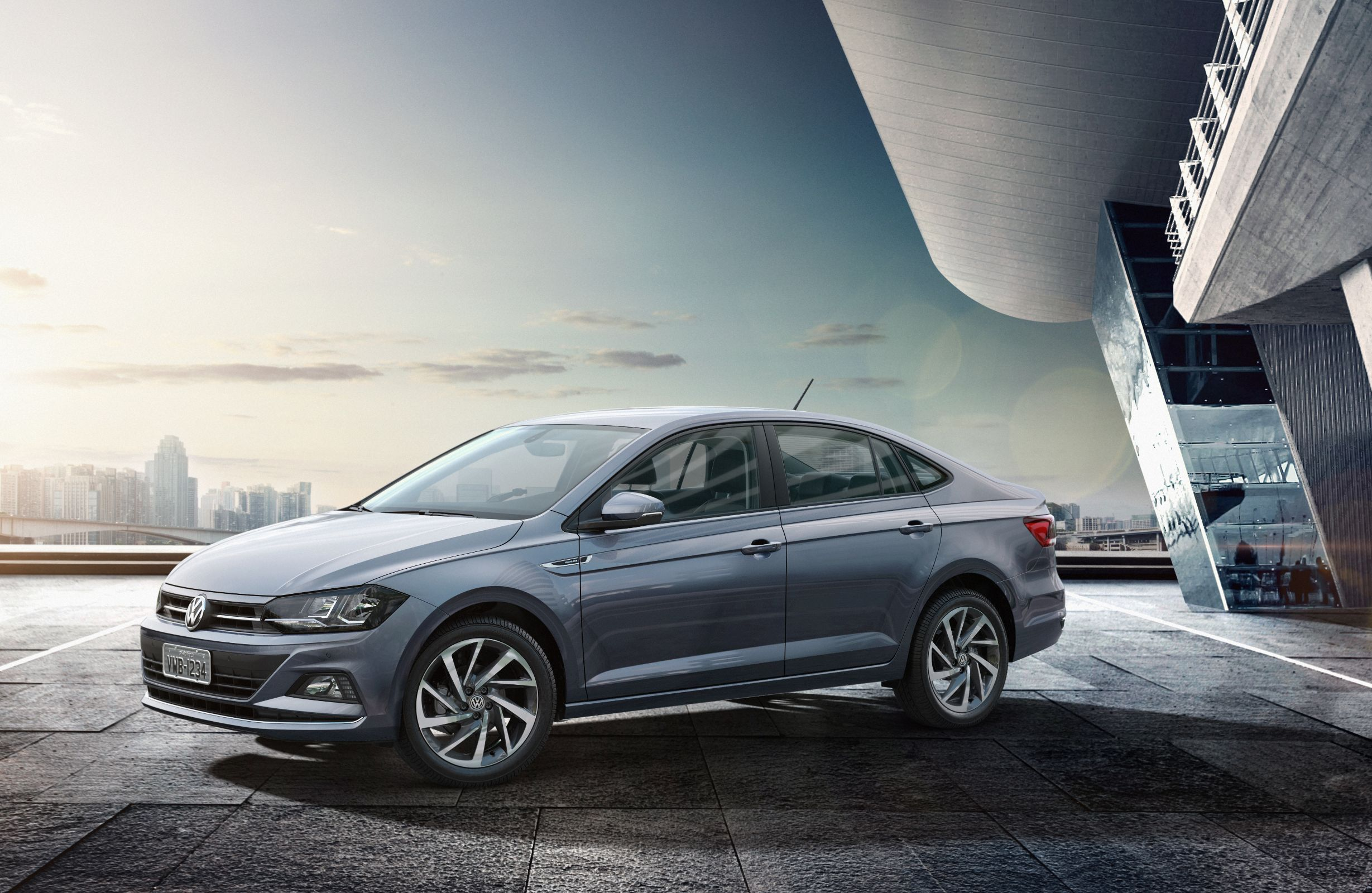 Conheça todos os detalhes do sedã Virtus da Volkswagen, incluindo preços, versões, desempenho, equipamentos e a nossa avaliação em vídeo