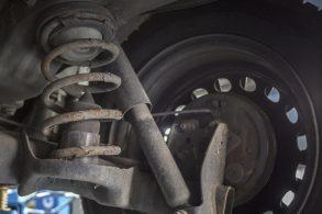 Reconheça 10 sinais de que o amortecedor do carro vai dar problema