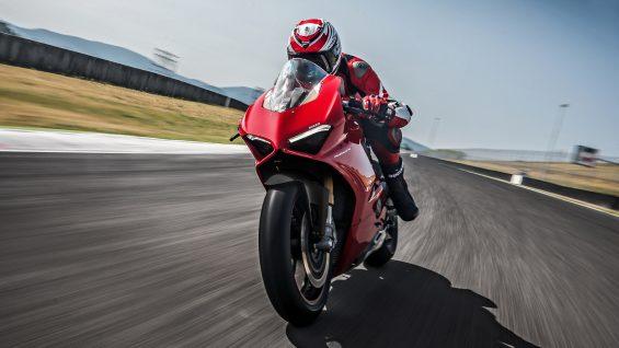 Ducati Panigale V4 é monstruosa!