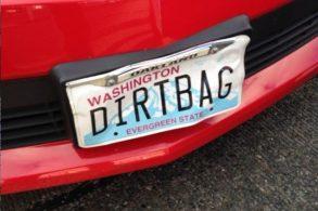 """Motorista de carro com placa """"ofensiva"""" é preso"""