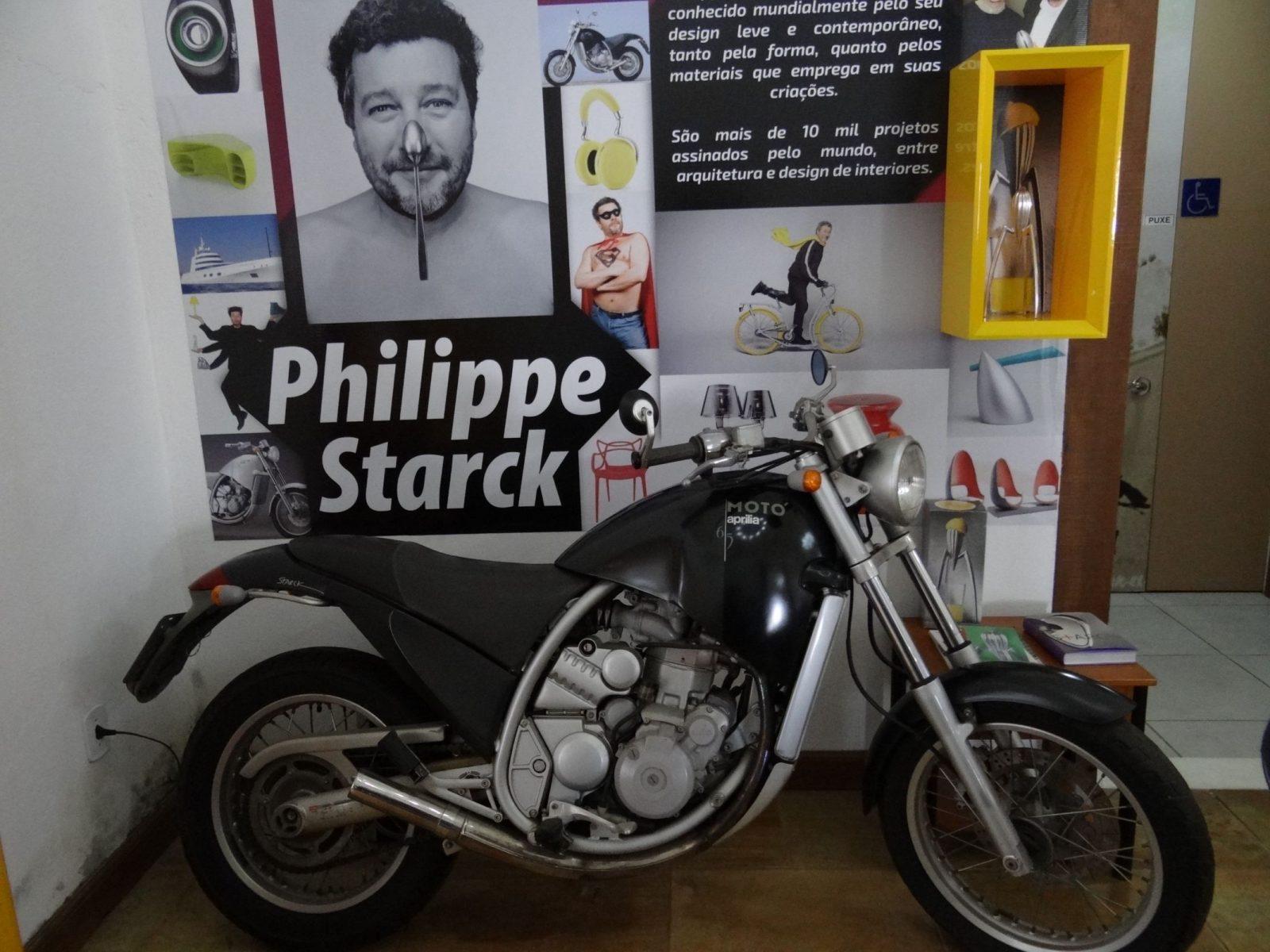 aprilia moto 650 desenhada pelo badalado arquiteto philippe starck e vencedor de diversos premios de design