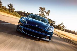 """Edição especial do Aston Martin Vanquish será leiloada por """"James Bond"""""""
