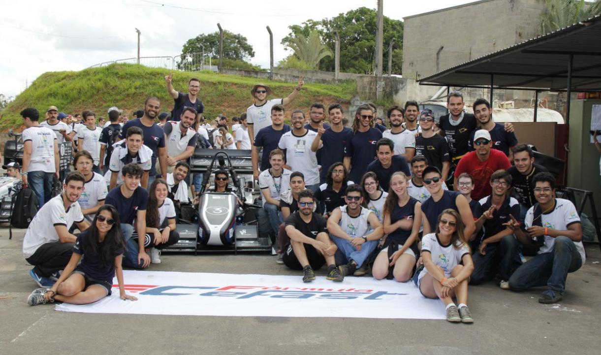 Protótipo mineiro bateu o recorde na prova de aceleração da Fórmula SAE e vai disputar com 80 equipes de universidades de todo o mundo em Lincoln, nos EUA.