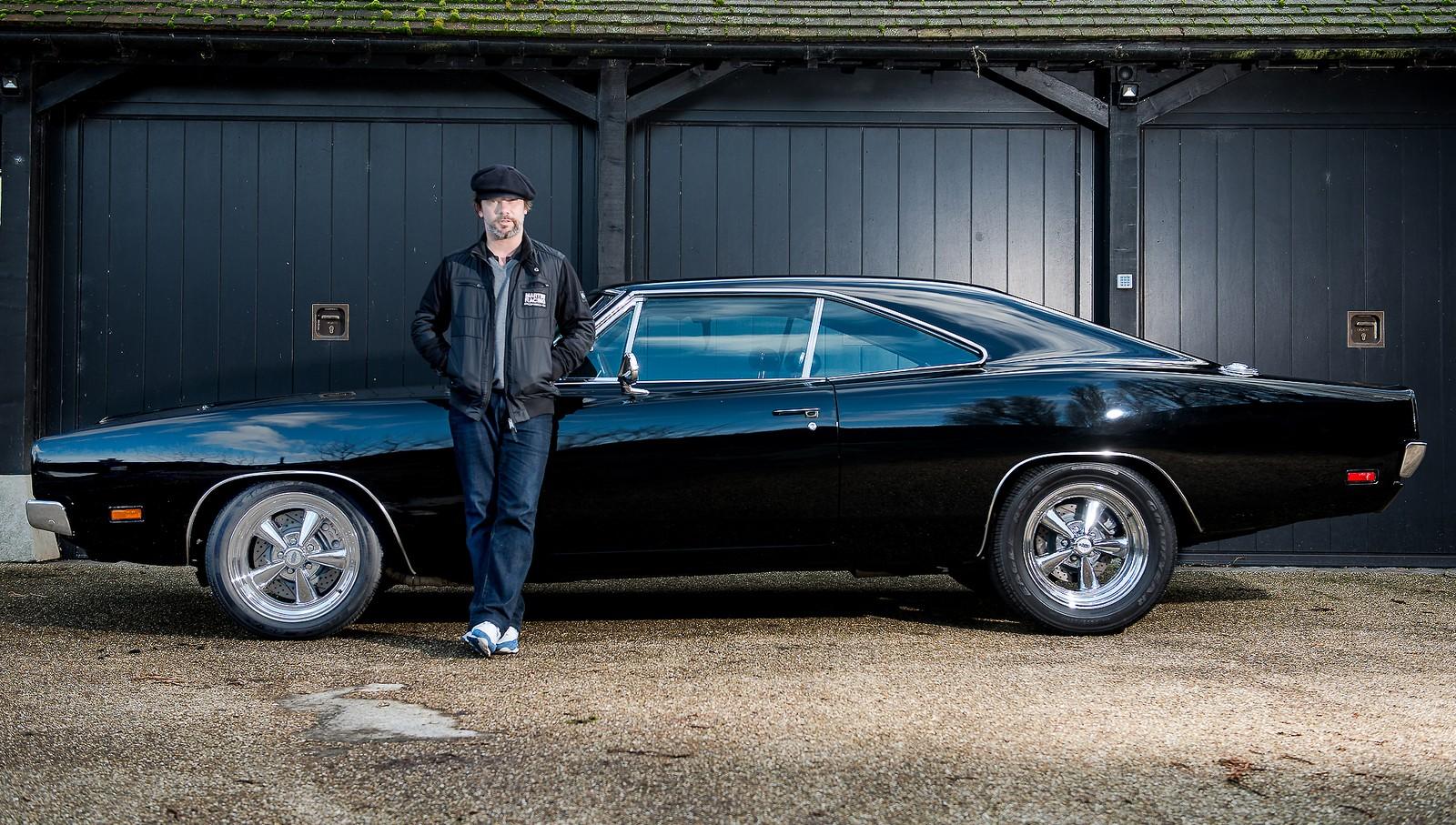 Muscle car foi restaurado pelo cantor Jay Kay. O Dodge Charger 1969 foi um presente da atriz Demi Moore para Bruce Willis. Esportivo ostenta um motor V8 8.2.