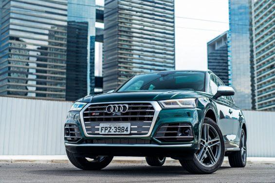 Audi convoca Q5 e SQ5 para recall do para-lama. Componente das unidades ano/modelo 2017 a 2019 pode se soltar e acertar veículos e pedestres.