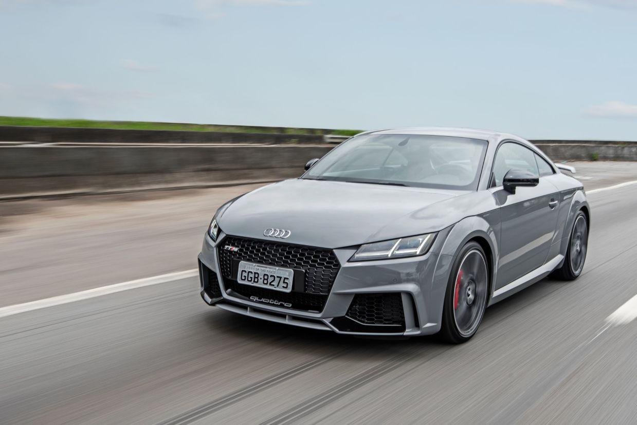 Audi TT RS tem motor de 400 cv e tração integral