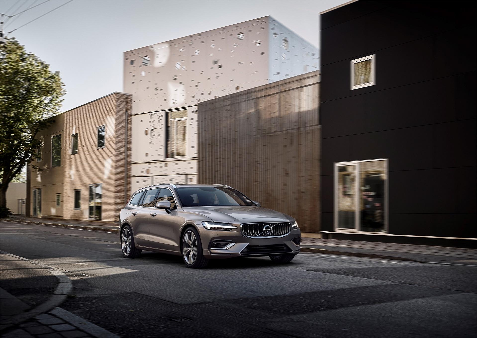 Volvo convoca mais de 1.344 unidades dos modelos V60,XC40,XC60,XC90eS90 para atualização do software do módulo de conectividade.