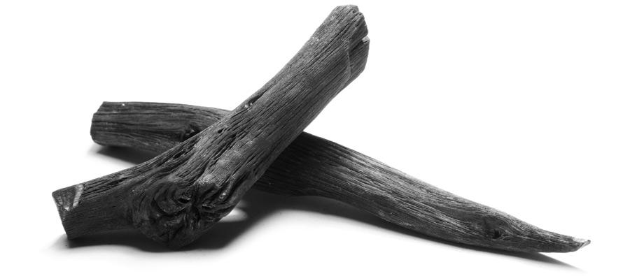 Use um pedaço de carvão em baixo do banco durante uma semana