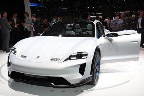 Porsche surpreende com Mission E-Cross