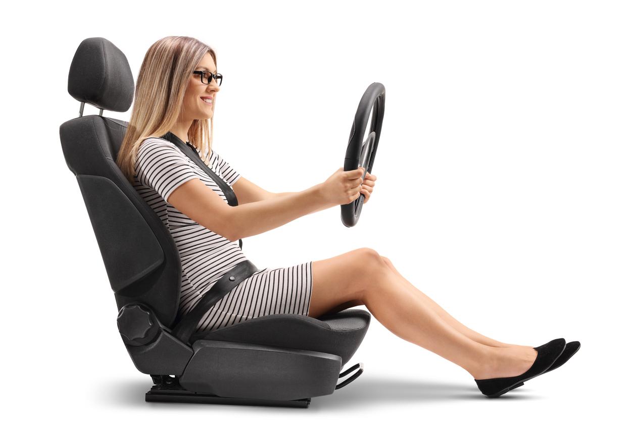 O mito de que mulher no volante é perigo constante continua circulando no Brasil, mas estatísticas de trânsito apontam que isso não é verdade.